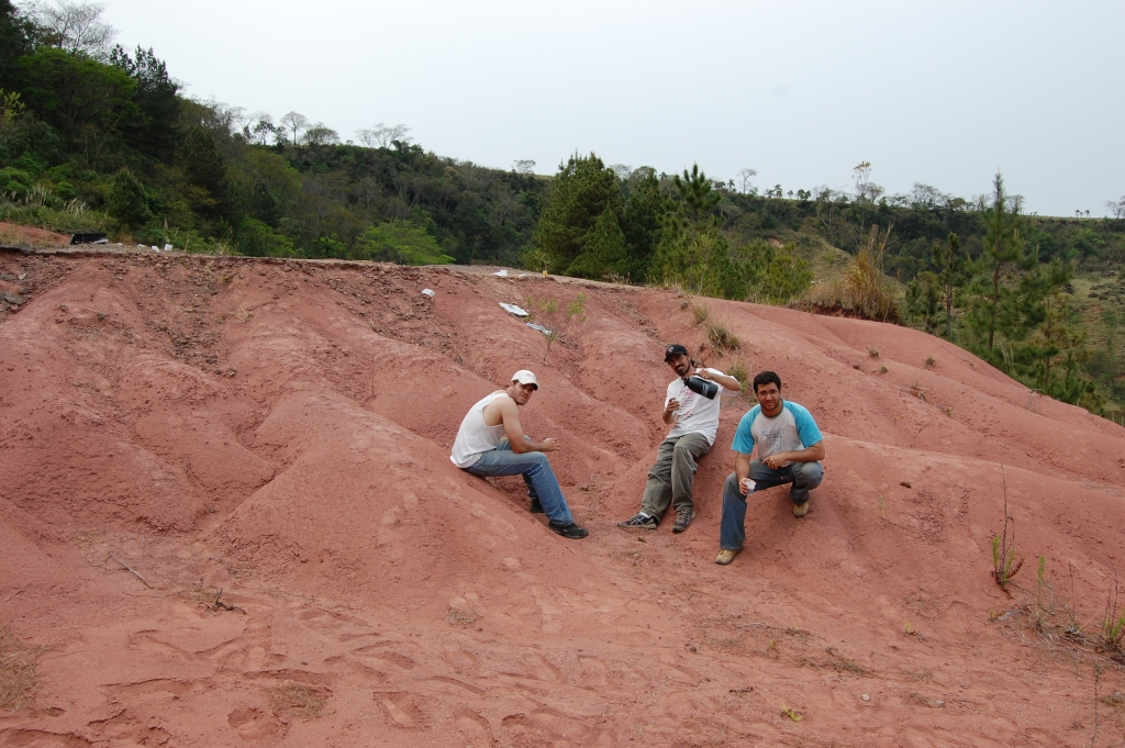 September/2007 field trip - Coffee breack at the outcrop