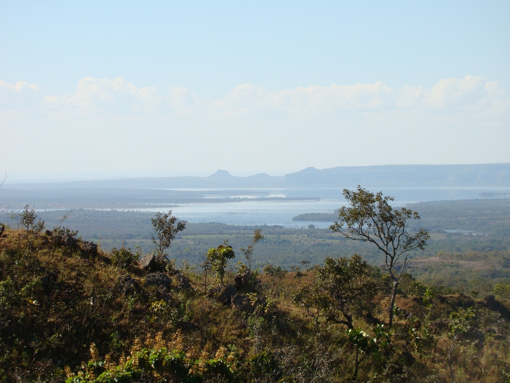 June/2011 field work - Manso reservoir as seen from Cambambe Hill, Chapada dos Guimarães -MT
